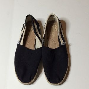 Stripped black and cream toms.